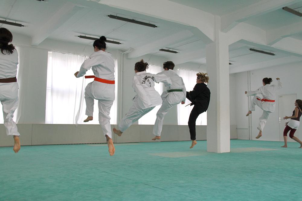 chohwa taekwondo und selbstverteidigung f r frauen und m dchen in berlin chohwa kampfkunst. Black Bedroom Furniture Sets. Home Design Ideas